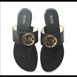 New! Michael Kors thong sandals